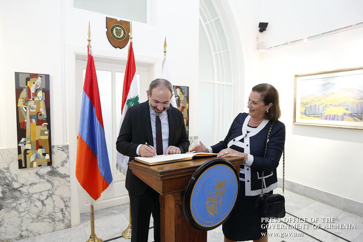 Никол Пашинян посетил армянские образовательные центры в Бейруте