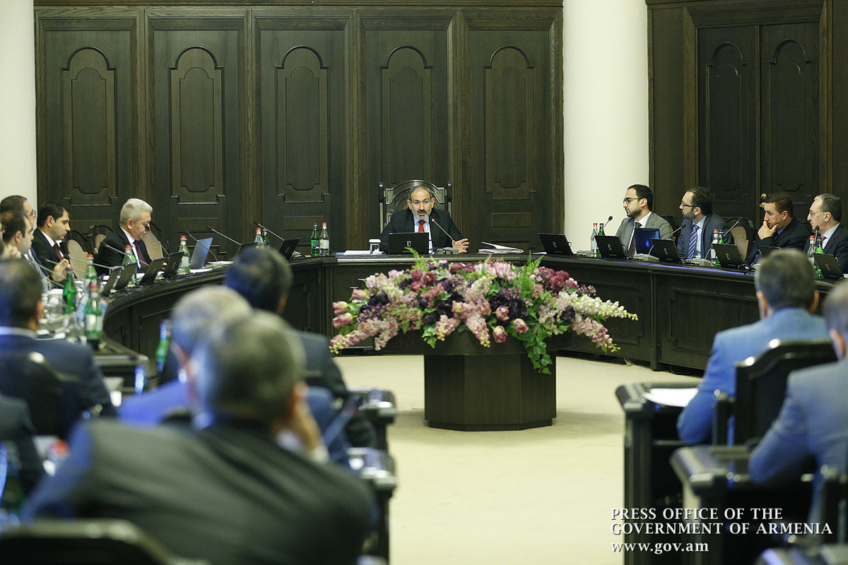 Заседания правительства будут проходить при открытых дверях
