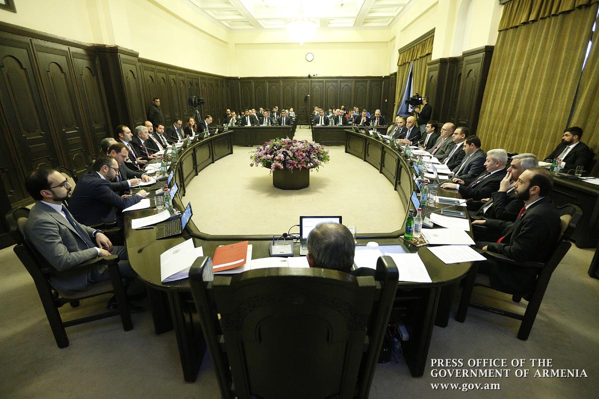 За надлежащую организацию саммита Франкофонии госслужащие будут награждены премиями