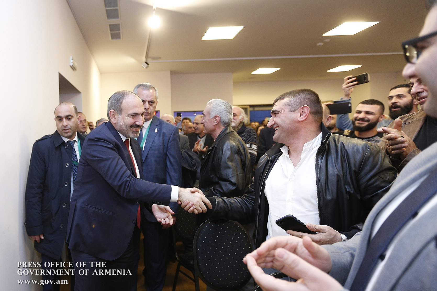 PM meets with Armenian community representatives in Vienna