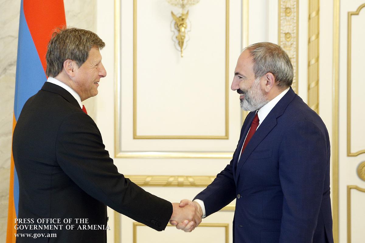 Премьер Никол Пашинян и мэр Глендейла Ара Наджарян обсудили вопросы укрепления отношений Армения-Диаспора