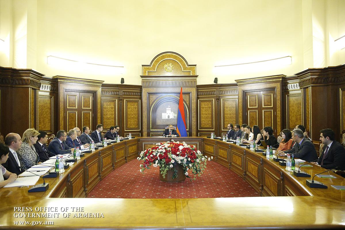 Никол Пашинян: Нашей стратегической целью должно быть создание армянских авиакомпаний