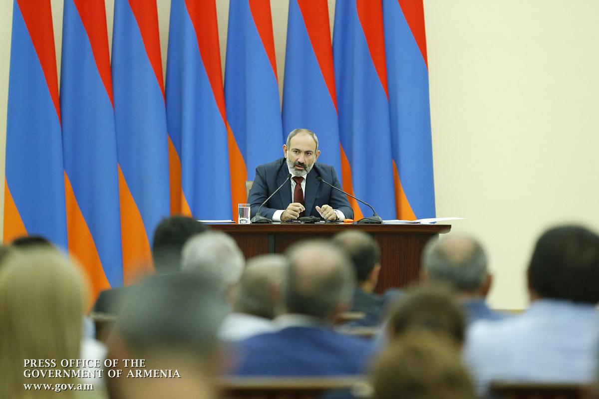 Премьер Армении проводит закрытую встречу с депутатами НС от фракции «Мой шаг»