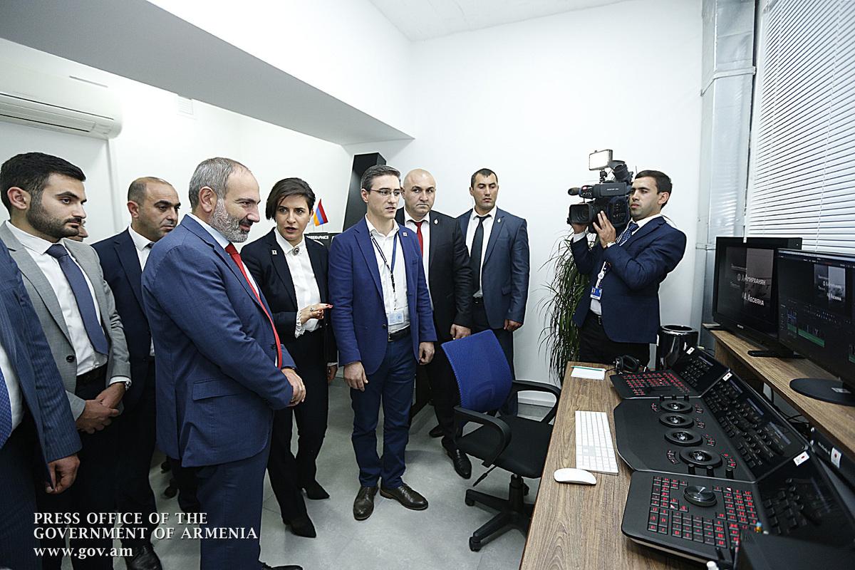 Никол Пашинян посетил Общественную телекомпанию Армении