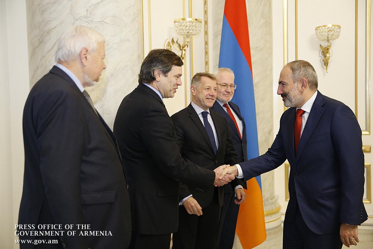 Armenia PM, OSCE envoy talk Karabakh settlement in Yerevan
