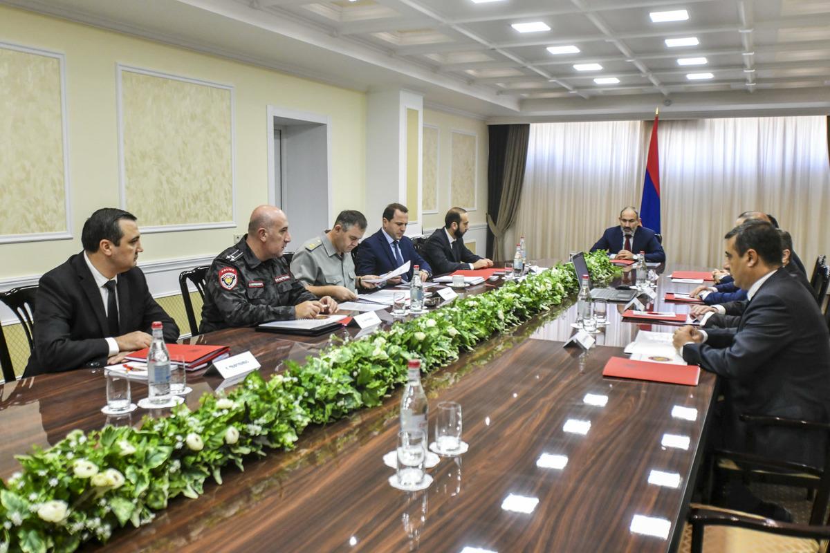 На заседании Совета безопасности Армении обсуждаются бурные развития в регионе