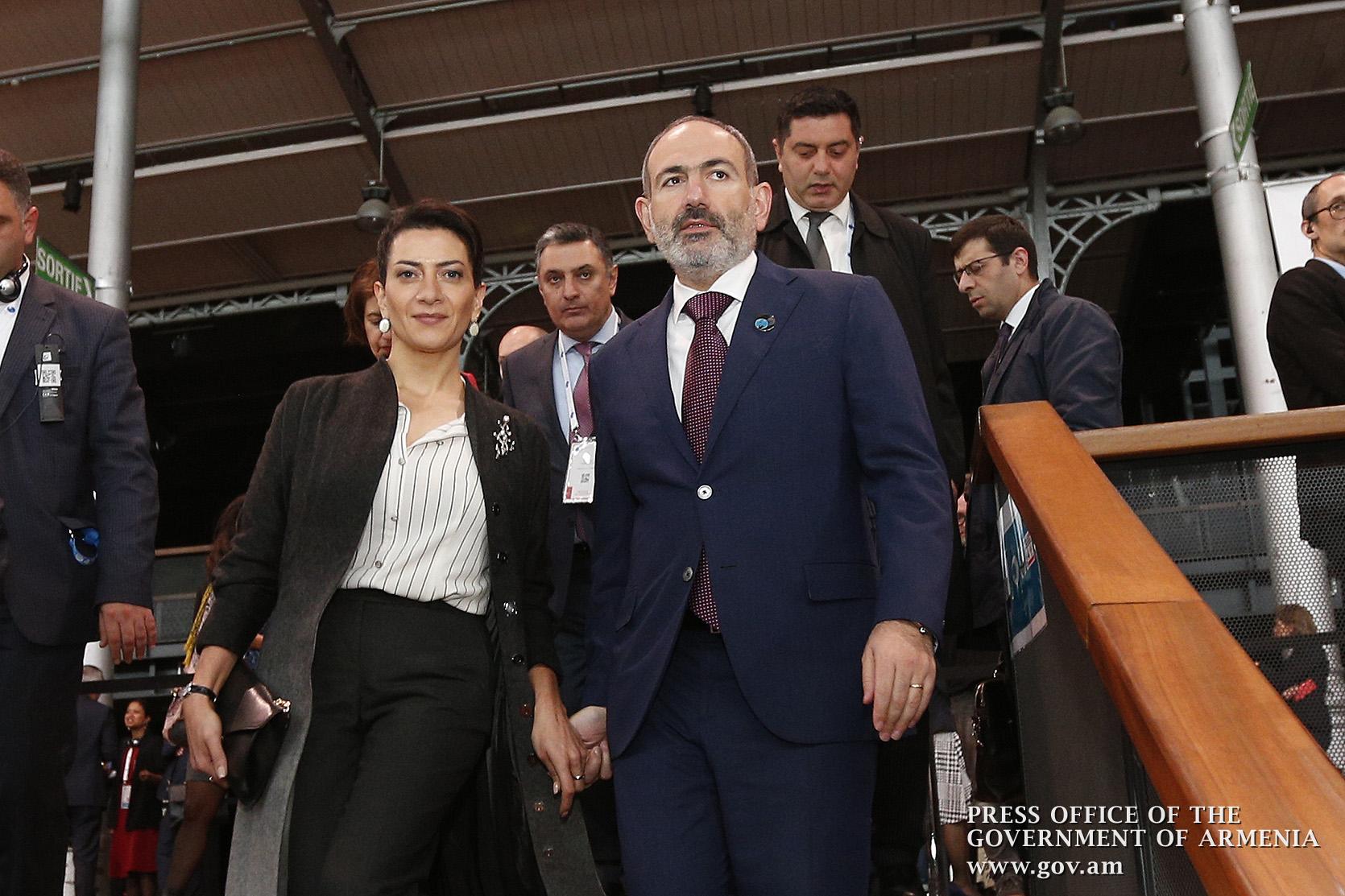 Премьер-министр принимает участие во Втором Парижском форуме мира