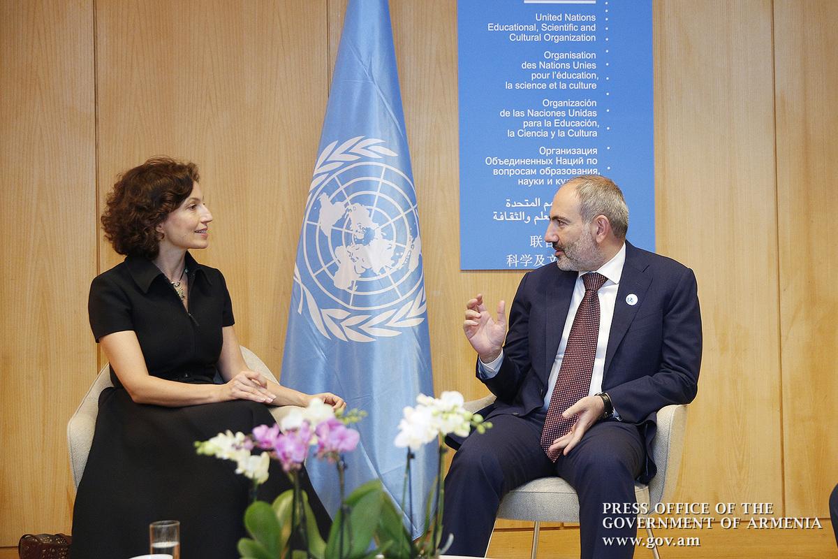 Премьер-министр Пашинян в Париже провел встречу с Одри Азуле