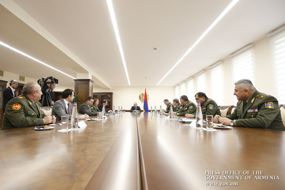Во главе с Николом Пашиняном состоялось внеочередное заседание Совбеза Армении