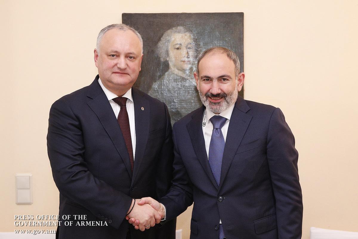 На полях Мюнхенской конференции по безопасности премьер-министр Армении встретился с президентом Молдовы