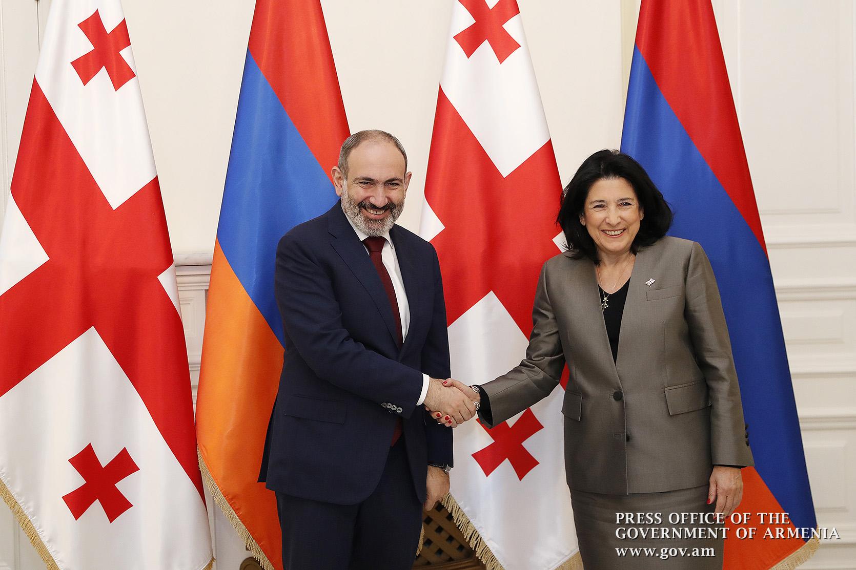 В Тбилиси в теплой и дружеской обстановке состоялась встреча Никола Пашиняна и Саломе Зурабишвили
