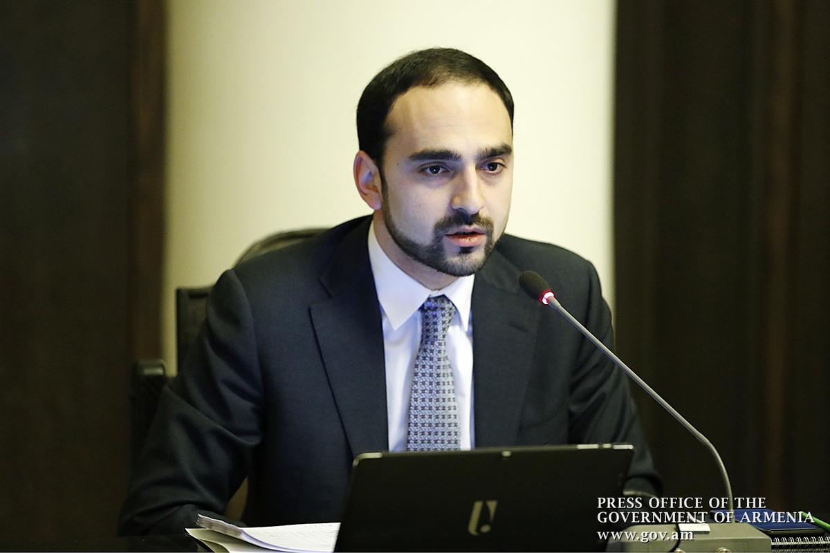 Тигран Авинян: Будут введены ограничения на передвижение граждан Армении