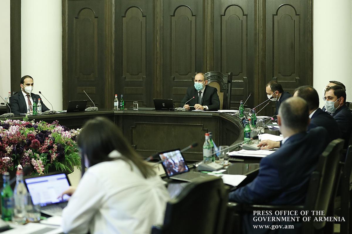 Премьер Армении поручил проявить строгость в отношении правонарушителей во благо здоровья всего общества