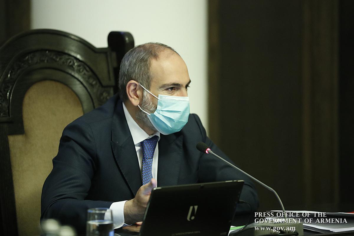 Премьер Армении: Зарплаты медработников, занимающихся борьбой с коронавирусом, были увеличены в 2-3 раза