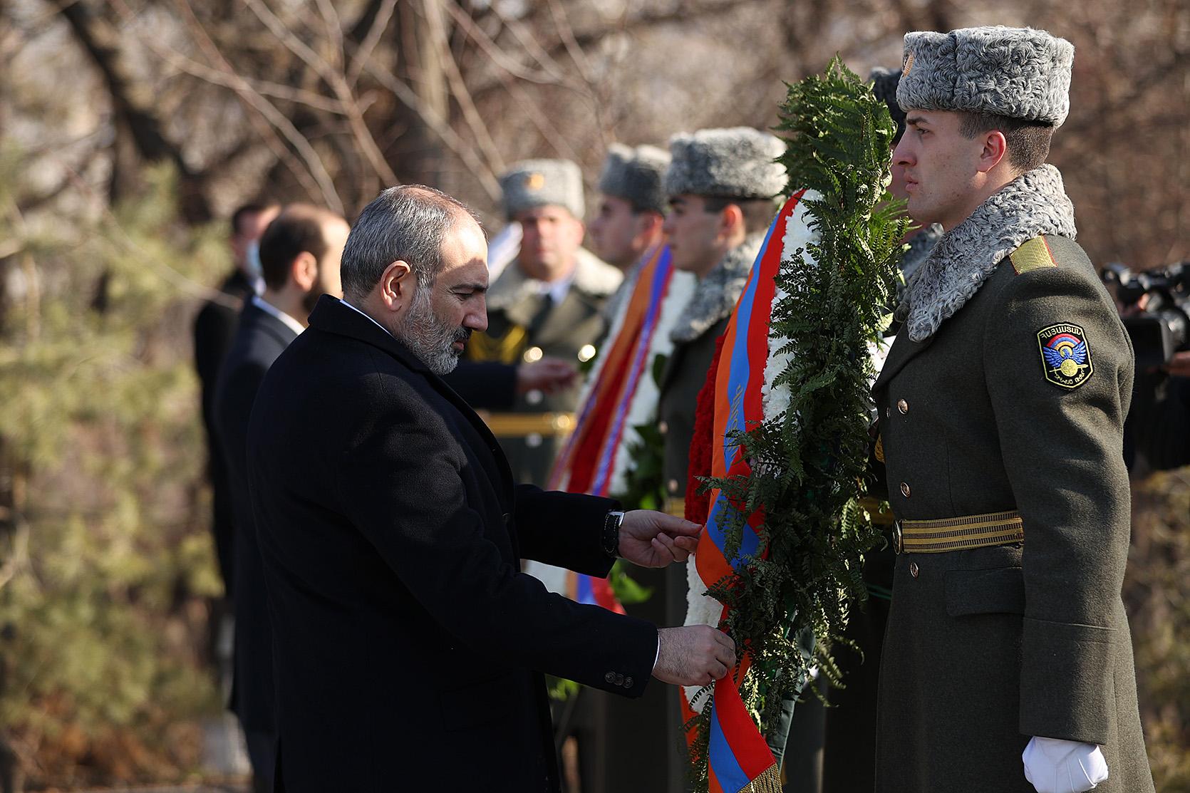 Премьер Министр Армении почтил память жертв Сумгаитского преступления