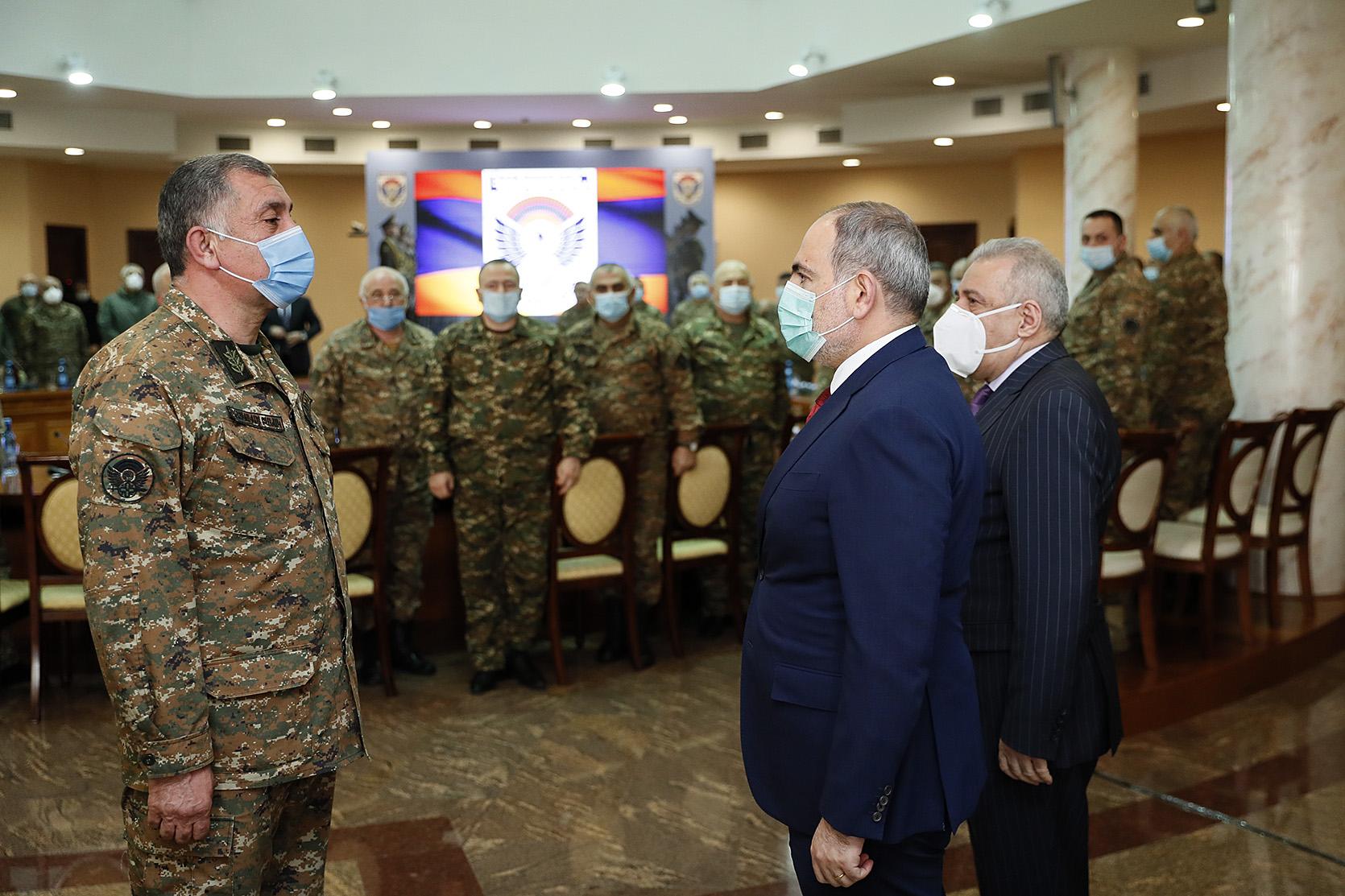 Никол Пашинян посетил Генералов Армении