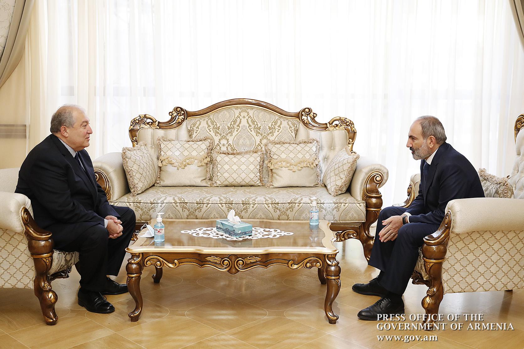 Премьер-министр Пашинян провел встречу с президентом Саркисяном