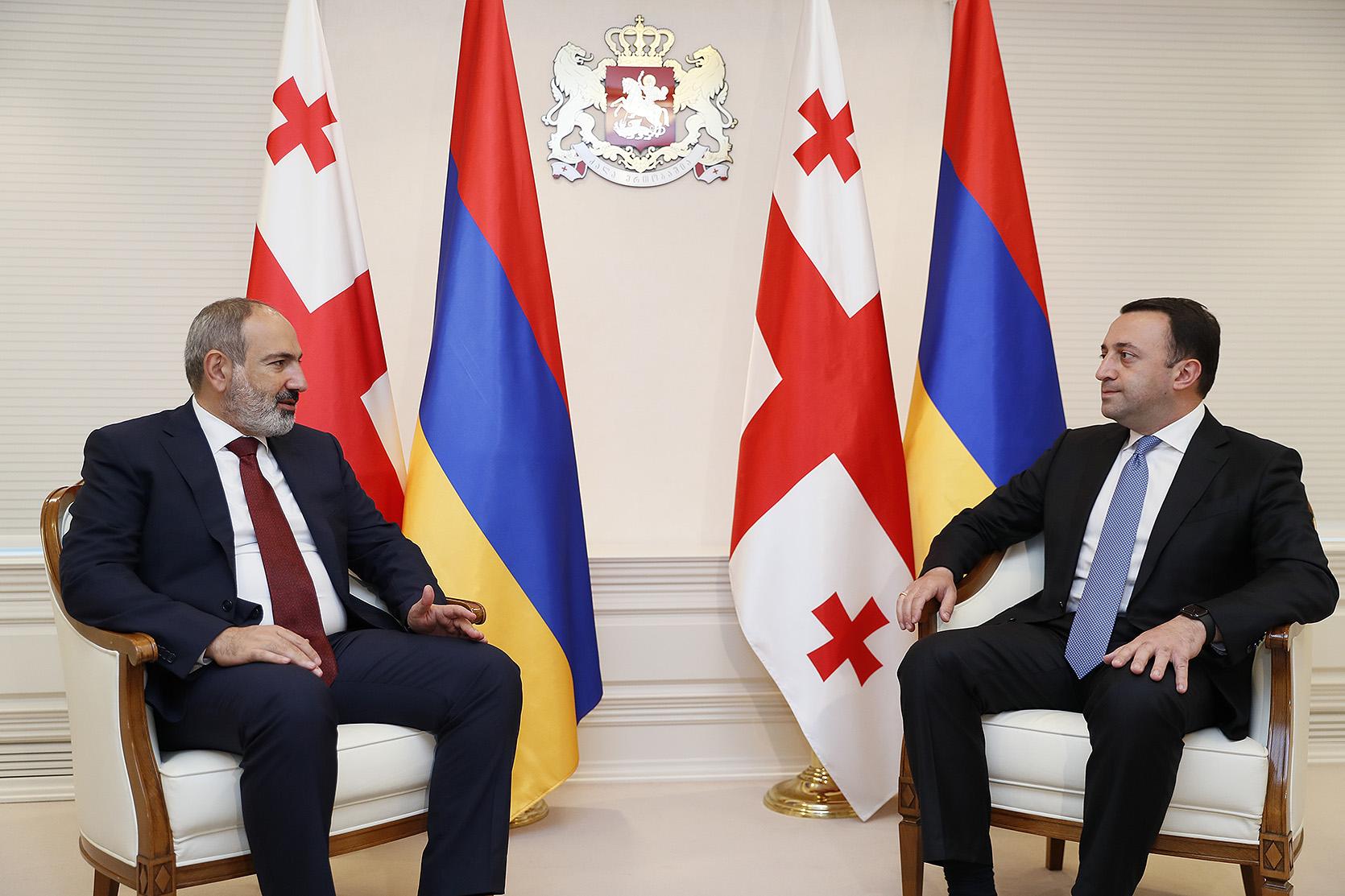 Между правительствами Армении и Грузии налажено эффективное сотрудничество: Никол Пашинян встретился с Ираклием Гарибашвили