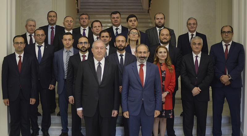 Церемония принесения клятвы членами правительства