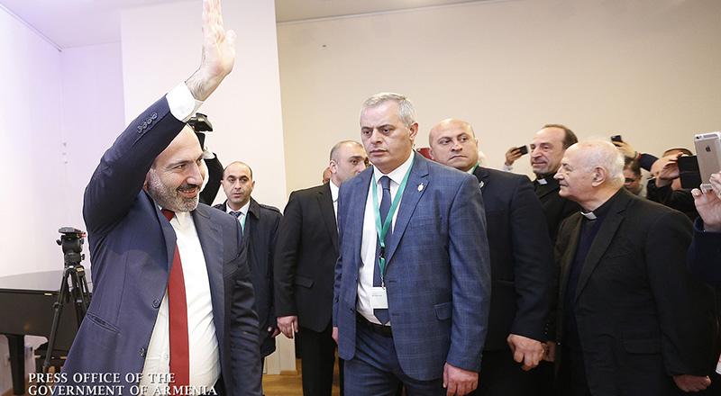 Վարչապետը հանդիպել է Վիեննայի հայ համայնքի ներկայացուցիչներին