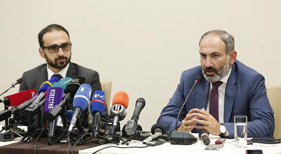 La Conférence de presse de Nikol Pashinyan, Premier ministre de la RA, à Stepanakert