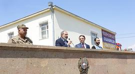 Речь премьер-министра на церемонии отправки служащих внутренних войск полиции на передовую линию